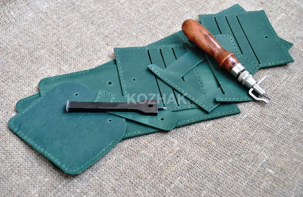 Квадратный кошелек из зеленой кожи ручной работы