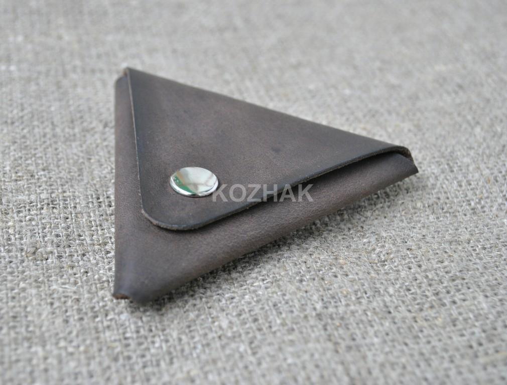 Треугольная монетница из натуральной кожи ручной работы