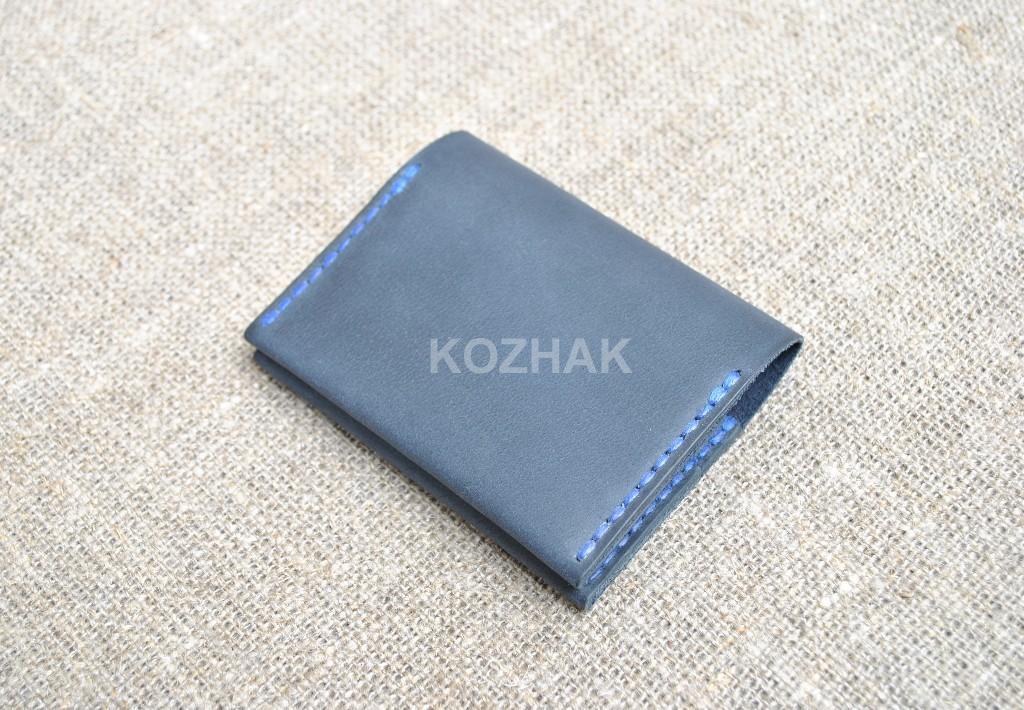 Кардхолдер темно-синего цвета из кожи ручной работы