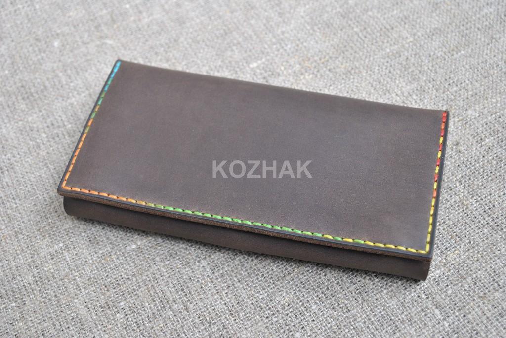 Кошелек шоколадного цвета с яркой контрастной нитью