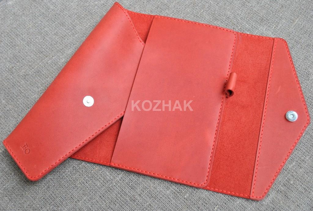 Красная кожаная обложка для блокнота ручной работы