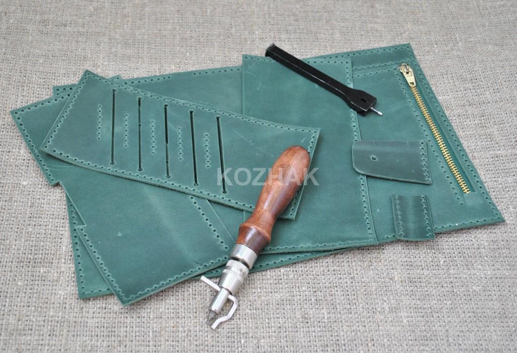 Стильный кошелек из натуральной кожи зеленого цвета