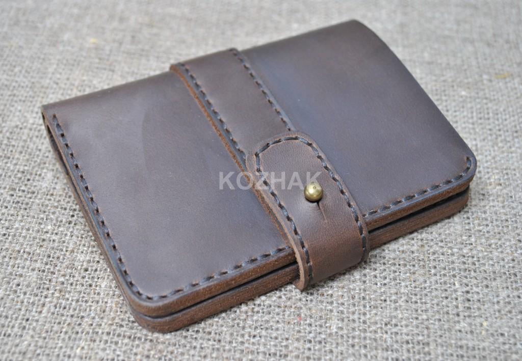 Темно-коричневый кожаный кошелек