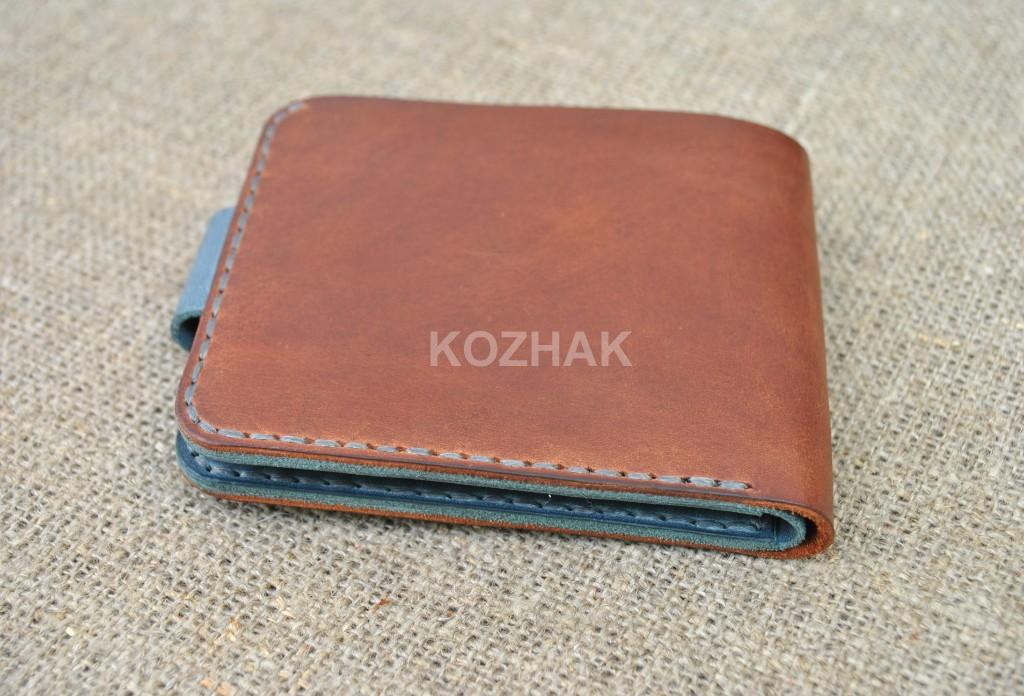 Небольшой кошелек из коричневой и синей кожи