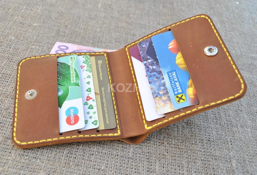 Красивый кошелек ручной работы квадратной формы
