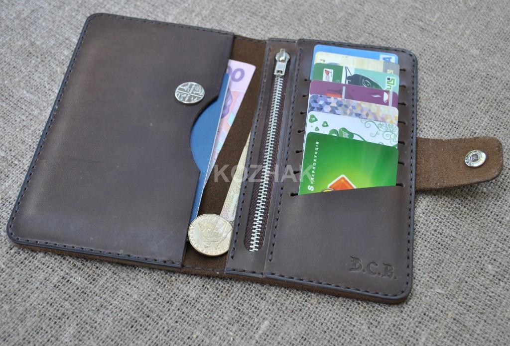 Кошелек для паспорта и денег ручной работы