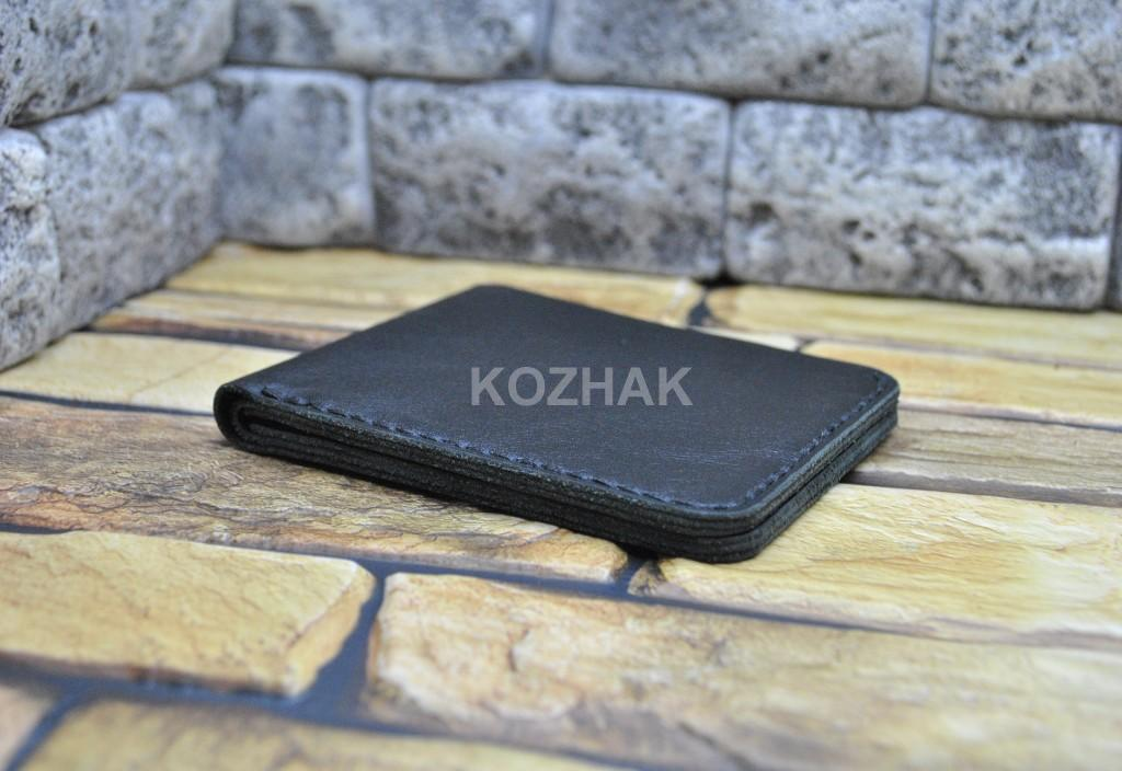 Тонкий кожаный кошелек в черном цвете