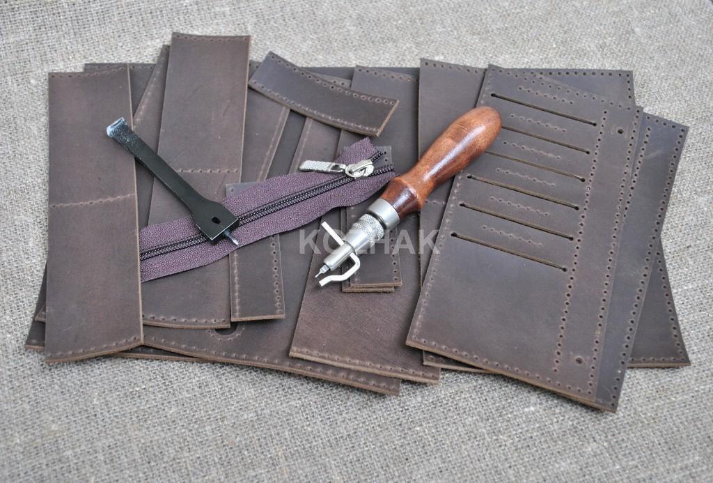 Шикарный кошелек шоколадного цвета из натуральной кожи