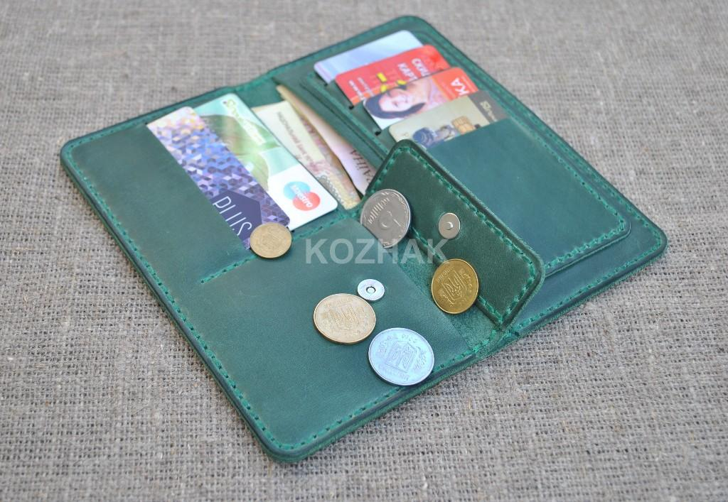 Зеленый небольшой кошелек из натуральной кожи