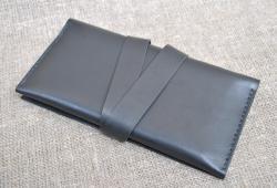 Стильный черный кошелек из натуральной кожи