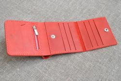Красный женский кошелек тройного сложения