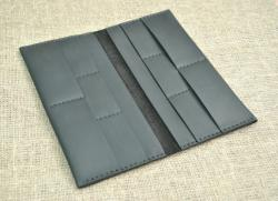 Портмоне черного цвета из натуральной кожи ручной работы
