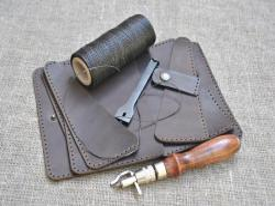 Кожаный чехол для документов ручной работы