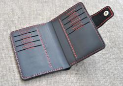 Вертикальное стильное портмоне из натуральной кожи