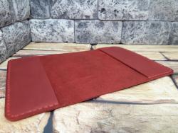 Обложка из красной натуральной кожи