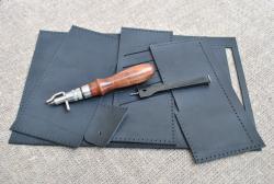 Элегантный черный кошелек ручной работы
