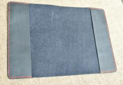 Темно-синяя обложка для блокнота ручной работы