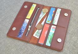 Коричневый кошелек на магнитных кнопках из натуральной кожи