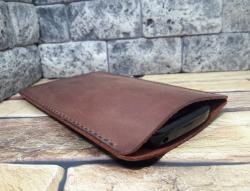 Карман из натуральной кожи для мобильного телефона