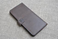 Темно-коричневый кошелек из натуральной кожи