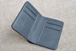 Маленький вертикальный кошелек из натуральной кожи