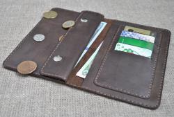 Стильный кожаный кошелек ручной работы