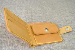 Маленький кошелек рыжего цвета ручной работы