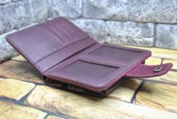 Вертикальный кошелек с наружной объемной монетницей