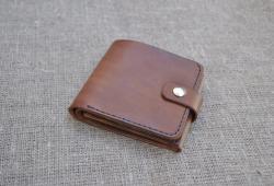 Небольшой кошелек из натуральной кожи ручной работы