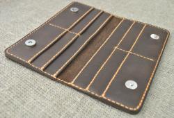 Кошелек на магнитах из кожи ручной работы
