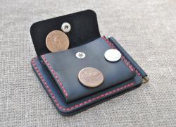 Зажим для денег с отделом для монет