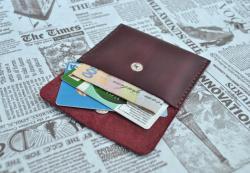 Очень маленький кошелек для купюр, карт и мелочи