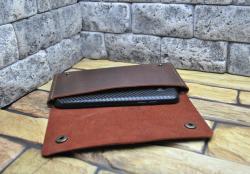 Брутальный кожаный чехол для телефона