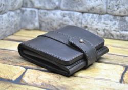 Брутальный кожаный кошелек ручной работы