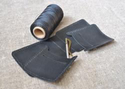 Маленький кошелек с прижимом для денег
