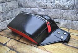 Поясная черно-красная кожаная сумка