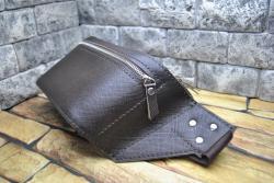 Поясная темно-коричневая кожаная сумка