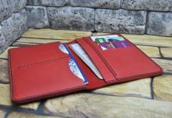 Красный холдер для документов из кожи
