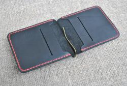 Небольшой кошелек с прижимом для купюр из натуральной кожи