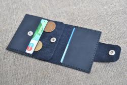 Темно-синий кожаный кошелек ручной работы