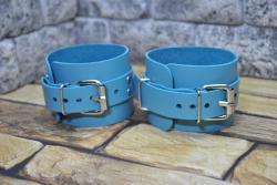 Красивые наручники из натуральной кожи