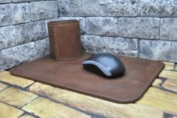 Стильный набор на письменный стол из натуральной кожи