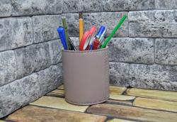 Кожаный стакан для карандашей и ручек