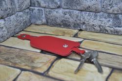 Красная колючница-колокольчик из натуральной кожи