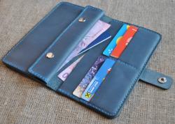 Кожаный кошелек синего цвета ручной работы
